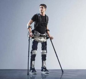 Robotic exoskeleton suit